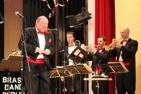 Weiterlesen: Alle Wagner-Opern in viereinhalb Minuten....