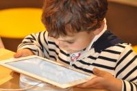 Weiterlesen: Aufwachsen mit digitalen Medien: Chancen und Risiken