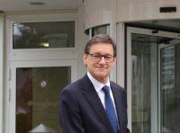 Weiterlesen: Dr. Hjalmar Schmidt geht in den Ruhestand
