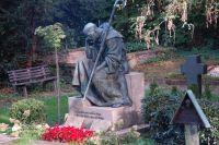 """Weiterlesen: """"Der Friedhof: Leben, Lachen, Freude"""""""