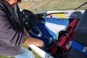 Vor dem Start: Vorbereitungen im Cockpit.