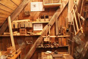 Vogelbauerwerkstatt: Die Kanarienzucht und die Käfigherstellung hatten für die Bergmannsfamilien eine große wirtschaftliche Bedeutung