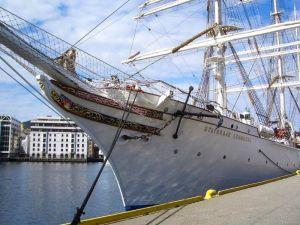 Großsegler Statsraad Lehmkuhl - Heimathafen ist die norwegische Hafenstadt Bergen.