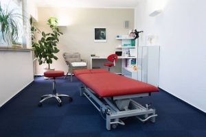 Hell und großzügig: ein Behandlungsraum