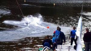 Die Wassersportler hatten ihren Spaß auf und zuweilen in dem nassen Element.