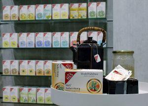 H&S-Arzneitees bieten Wirkung und Geschmack in Apothekenqualität. Am Samstag gibt's die Sorte Salbei-Honig zum Probieren.