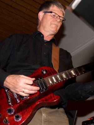 Auch Manfred Pohl von Sixpack Corner ist als Special Guest dabei. Auf der Playlist stehen Songs von den Beatles und den Rolling Stones.