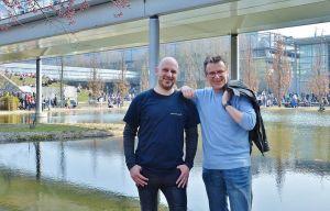 Christian Dolle (links) und Roland Lange auf der Leipziger Buchmesse – das Foto schoss eine freundliche, namentlich nicht bekannte Messebesucherin.