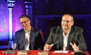 Natürlich stellten Thomas Koehler (links) und Konstantin Zorn ihr frisch ausgezeichnetes Werk kurz vor.