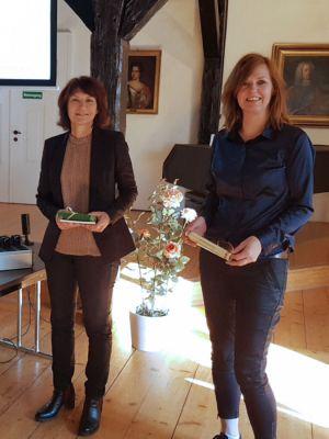 Kerstin Moritz (links) übersetzte ins Englische und Rita de Vente sprach den niederländischen Text.