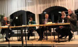 Moderator Claus-Ulrich Heinke, Ruth Emanuel, Dr. Thomas Gans, Olaf Martin, Hans-Jürgen Driemel (von links)