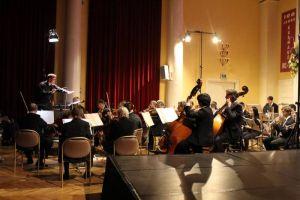 Das Göttinger Sinfonieorchester spielte unter Leitung von Karsten Krüger....