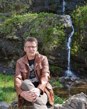 Eher idyllisch als spektakulär – der Romkerhaller Wasserfall.