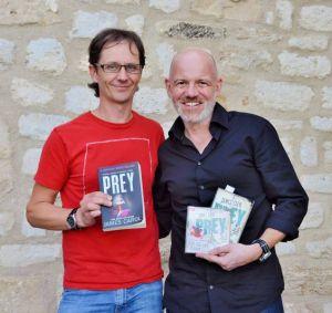 Das Original und die deutsche Version: James Carol (links) mit Dietmar Wunder.