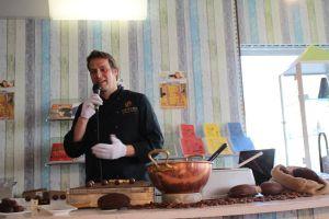 Chocolatier Dirk Beckstedde stellte die großartigen Kostproben her...