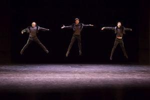 """Trio aus """"Romeo und Julia"""";  v. li. Ruan Martins, Joseph Caldo, Leo Vendelli. Foto: András Dobi"""