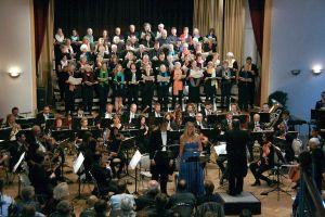 """Zum Auftakt: """"Triple B in Concert"""" mit Beethoven, Brahms und Bernstein, der Singakademie Harz und dem Philharmonischen Kammerorchester Wernigerode sowie der Solisten SooJin Anjou"""