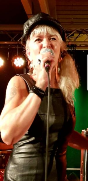 """Grandios: Annette David präsentierte den A-Capella-Song """"Mercedes Benz"""" von Janis Joplin."""
