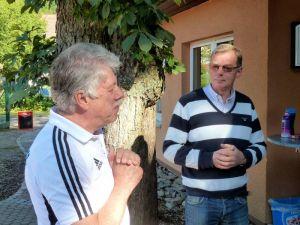 Die Begrüßung – übernommen von Gero Fröhlich (links) und Dieter König.