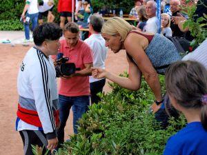 Auch Olympia-Siegerin Astrid Kumbernuss und die von ihr gecoachte Gao Yang waren wieder in Osterode dabei – Erstere dieses Mal als Ehrengast. (Archivfotos: Boris Janssen)