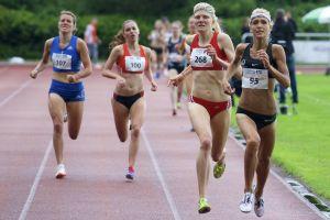 Wieder in Osterode dabei: Jana Sussmann (rechts, Startnummer 95). (Foto: Wolfgang Böttner)