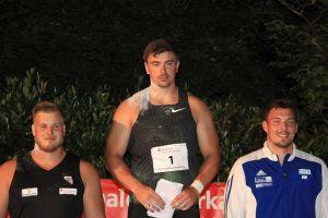 …bei den Männern setzte sich Weltmeister David Storl (Mitte) mit 21,02 Meter gegen Dennis Lewke (links) und Patrick Müller durch…