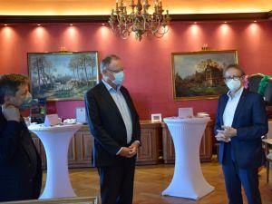 Im Tagungsraum der Villa Vida: Josef Oelkers, Stephan Weil und Karl Heinz Hausmann. Foto: Privat