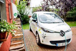 """""""Unser Dorf fährt elektrisch"""" – und zwar auch Auto. (Foto: Landkreis Göttingen)"""