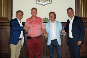 Wollen Hand in Hand den Tourismus in Bad Lauterberg stärken (v.l.): Jeroen van Welsenes, Dr. Thomas Gans, Xander van Rijswijk und Sietse Jan Holtrop.