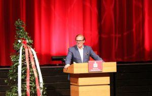 Der Verwaltungsratsvorsitzende der Sparkasse Osterode am Harz hat noch zahlreiche weitere Nebenämter...