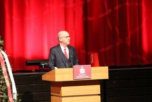 ...weswegen der Vorstandsvorsitzende Thomas Toebe ihn unter anderem für sein Zeitmanagement bewunderte