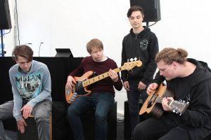 Die Band Minuspol beim Auftritt