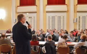 Bürgermeister Dr. Thomas Gans erläuterte Hintergründe.