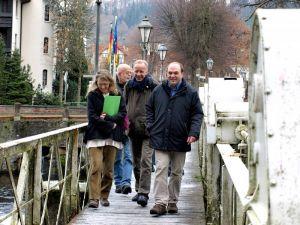 A walk at the Kurpark (von links): Simone Stolzenbach, Fritz Vokuhl, Heiner Scholing und Volker Puhrsch.