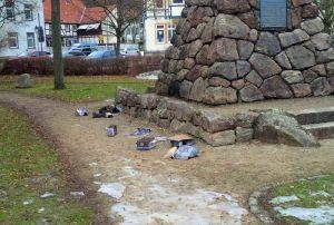 Es stimmt schon, der überlastete Bauhof kommt in den letzten Monaten nicht mehr hinterher: Impression vom Lutherplatz am 21. Februar(!). (Foto: Luisa Janssen)