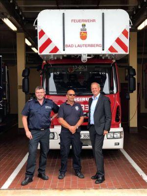 Bei der Bad Lauterberger Feuerwehr sprach Fritz Güntzler (r.) mit Martin Dannhauer (M.) und Bernd Wiedemann …