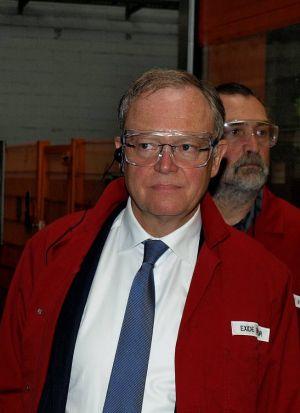 """""""Ich bin schwer beeindruckt"""": Ministerpräsident Stephan Weil. Im Hintergrund der Vorsitzende des SPD-Ortsvereins Bad Lauterberg Uwe Speit."""