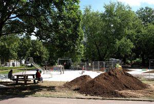 Das reicht völlig: Laut Antrag der Gruppe soll die Spielplatzfläche im Kurpark auf das vorhandene Stück begrenzt werden.