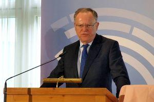Sieht Südniedersachsen durch die Kreisfusion auf einen guten Weg: Ministerpräsident Stephan Weil.