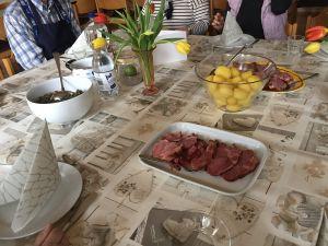 Das Mittagessen.