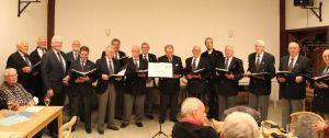 Der Chor beim letzten Auftritt (3. von links Chorleiter Koscielny).