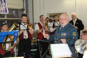 Ehrendirigent: der stellvertretende THW-Bundessprecher Bernd Balzer