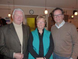 Die geehrten Vereinsmitglieder (von links): Peter Borowski (60 Jahre im Club), Heidrun Lohrengel und Arndt Stollberg.
