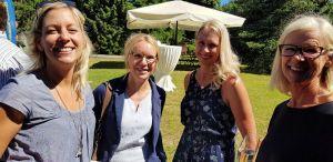 Die Gemeinsamkeit wird gepflegt. Bei den meisten Feiern sind viele Partnerinnen beziehungsweise Partner dabei. Hier (von links) Clubmitglied Petra Simansky mit Kerstin Deppe, Christine Koithahn und Vita Amm.