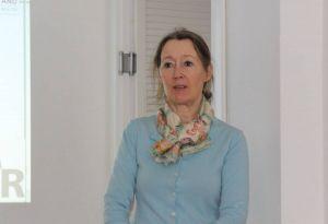 Dr. Esther Gajek von der Universität Regensburg informierte über das Forschungsprojekt zum Umgang der Frauen mit Altersarmut