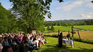 Pastor Torsten Kahle feierte Gottesdienst - mit zwei Taufen