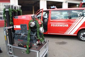 Neben dem MTW wurde auch noch eine neue Tragkraftspritze in Dienst gestellt