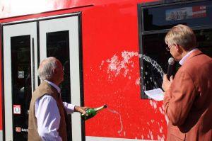 Wilfried Henkel aus Barbis hatte die Idee - und taufte gemeinsam mit Bürgermeister Dr. Thomas Gans den Zug auf den Namen Bad Lauterberg im Harz