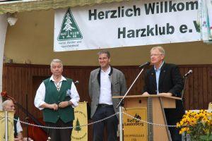 Der Vorsitzende des ausrichtenden Bad Lauterberger Zweigvereins, Heinz-Gerd Trüter, der Präsident des Harzklub-Hauptvereins, Dr. Oliver Junk, Bürgermeister Dr. Thomas Gans (von links)