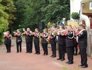 Brassfusion (das Musikcorps Marchingpower und der Fanfarenzug Duderstadt) unterhielt die Gäste